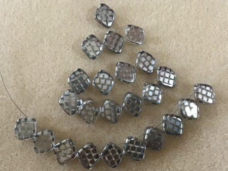 Kristály-ezüst picasso negyzet 10mm